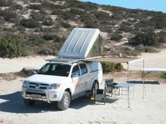 Hard Shell Roof Top Tent - by Wildearth
