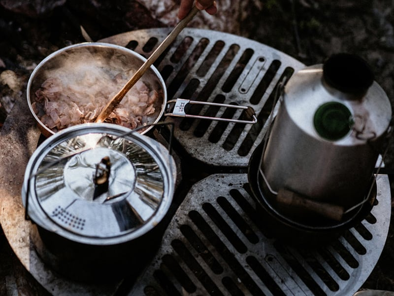 SPARE TIRE MOUNT BRAAI/BBQ GRATE